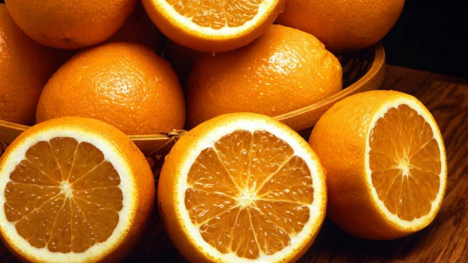 Dietary Vitamin C provides significant protection against cataracts